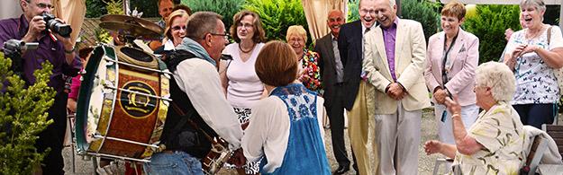 gartenparty-musik-unterhaltung